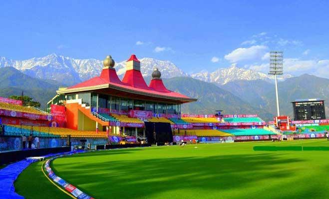 दिल्ली में खिलाड़ी कर रहे उल्टियां,वो 5 मैदान जहां खिलाड़ी नहीं खूबसूरत नजारों पर बजती हैं तालियां