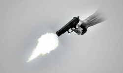 देहरादून : परेड ग्राउंड मेले में युवक ने खुद को मारी गोली, घायल