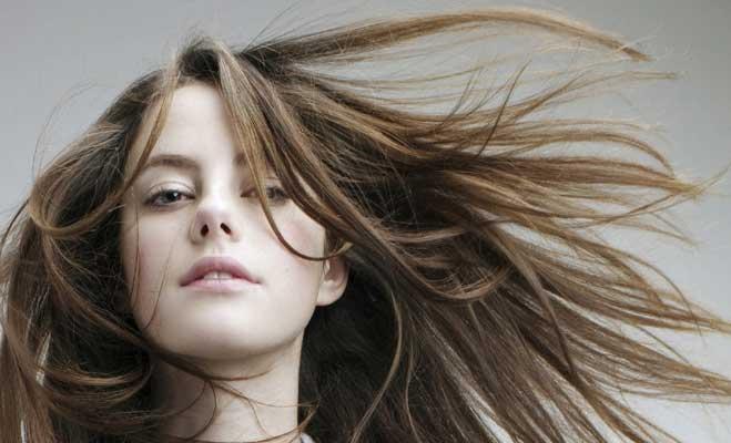 बिना झंझट,बिना नुकसान ऐसे करें बालों की केयर
