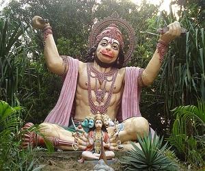 हनुमान जी का कवच मंत्र डर से दिलाता है मुक्ति, श्रीराम ने भी किया था इसका जाप