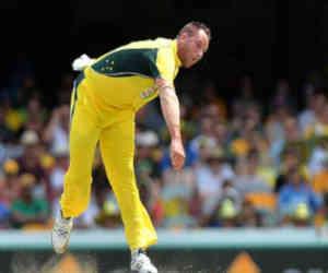 बाॅलिंग करते समय फेफड़ों से निकलता था खून, आखिरकार क्रिकेट से लेना ही पड़ा संन्यास
