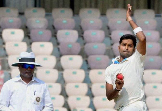 रणजी ट्रॉफी में विनय कुमार ने ली हैट्रिक, वनडे मैचों में यह कारनामा सिर्फ 3 भारतीयों ने किया