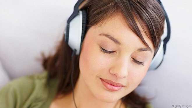 गाने सुनने के लिए कैसे चुनें बढ़िया हेडफ़ोन