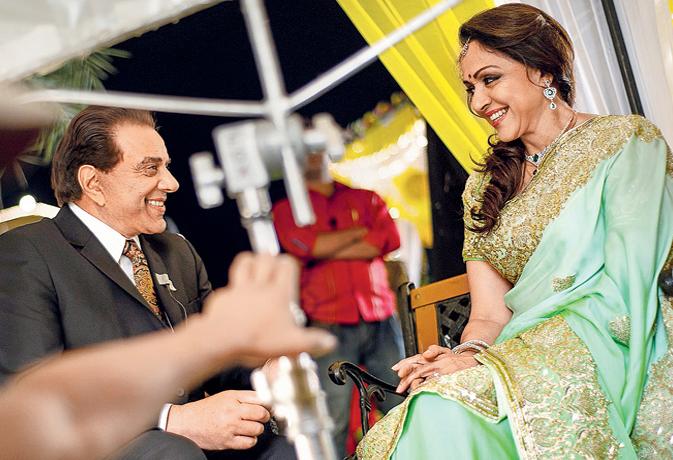ईशा देओल ने बताया,बॉलीवुड में कौन है उनका फेवरेट कपल