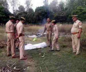 बरेली में ऑनर किलिंग, पुलिस ने लड़की की अधजली लाश चिता से निकलवाई