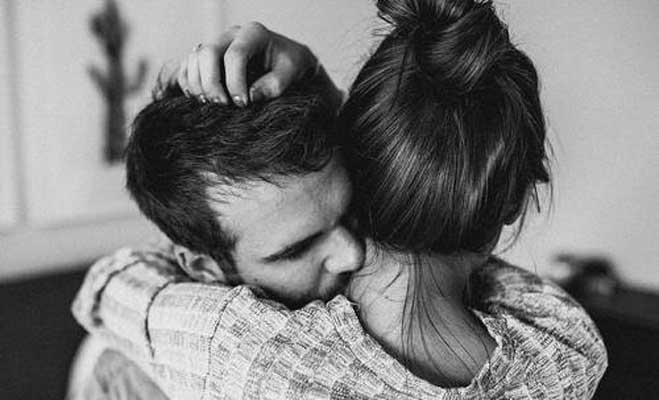जान लो चुम्मा लेने से अच्छा गले लगाना है,किसलिए अरे भई इसलिए...