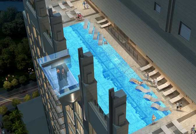 झूलते स्विमिंग पूल में नहाने का शौक रखते हैं तो यहां आयें