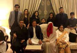 पूर्व पाकिस्तानी क्रिकेटर इमरान खान ने पांच बच्चों की मां से रचाई तीसरी शादी