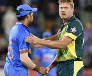 रिटायर हो चुका है Inv vs Aus टी-20 में शतक ठोकने वाला एकमात्र खिलाड़ी