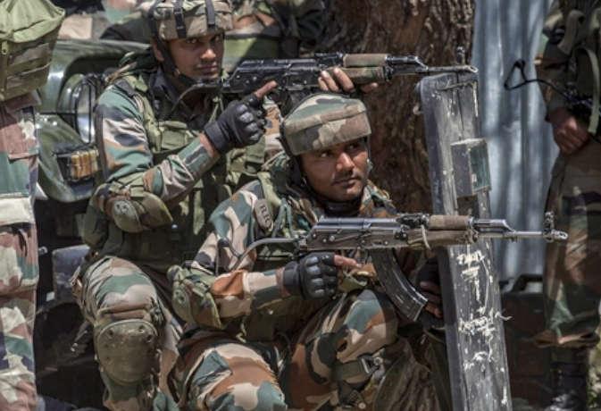 साउथ कश्मीर में सात लोगों का अपहरण, स्थानीय प्रशासन का आतंकियों के खिलाफ बड़ा दांव