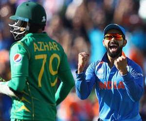 Ind vs Pak ICC World cup 2019 : जब क्रिकेट मैदान पर हुई भारत-पाकिस्तान क्रिकेटरों की लड़ाई