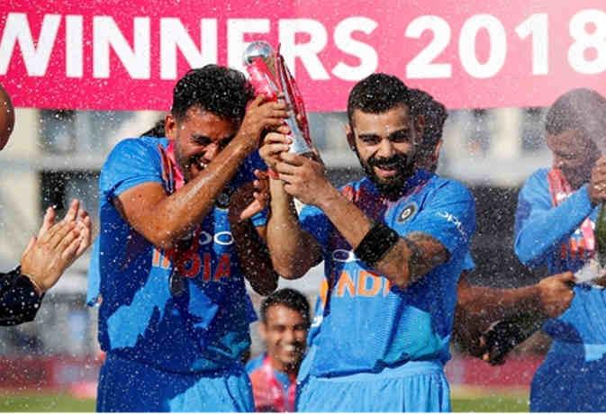 इंग्लैंड में भारत की जीत की दो कहानी, एक कोहली की कप्तानी दूसरी रोहित की बैटिंग तूफानी