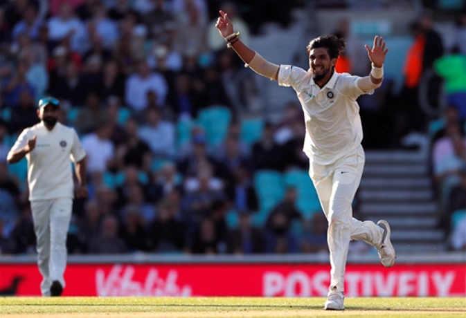 भारत-इंग्लैंड 5वां टेस्ट : पहला दिन खत्म होते-होते लड़खड़ा गई इंग्लिश टीम, गंवाए 7 विकेट