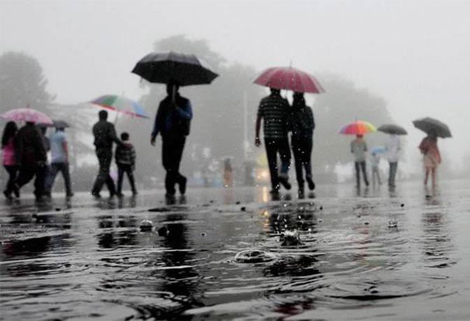 झमाझम बारिश के साथ पूरे देश में छा गया मानसून