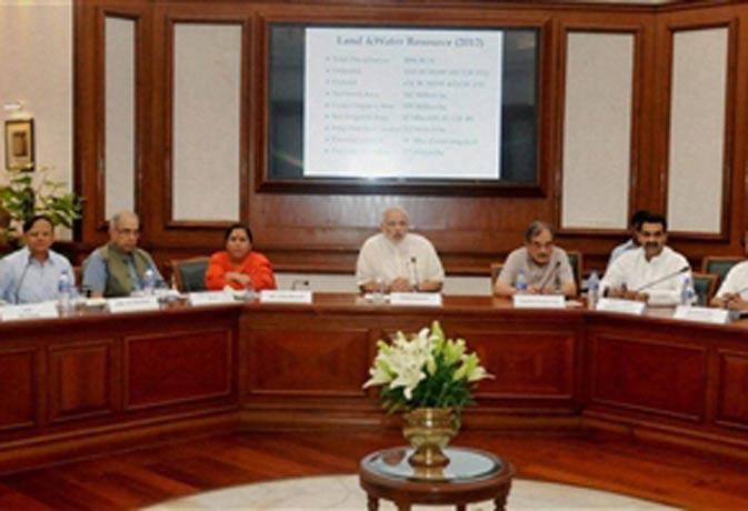 प्रधानमंत्री ने कहा मानसून की चुनौती को अवसर में बदलना होगा