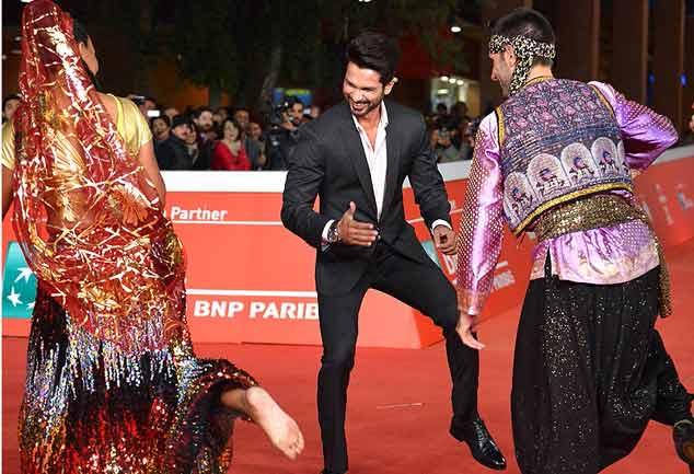 'हैदर' को रोम फिल्म फेस्टिवल में अवॉर्ड मिलने से खुशी से झूमे शाहिद