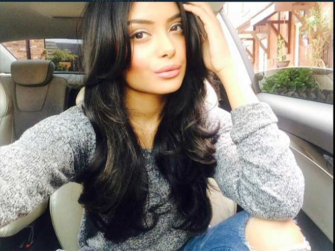 Afshan Azad young