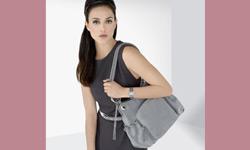 12 चीजें जो किसी भी महिला को अपने पर्स में जरूर रखनी चाहिए