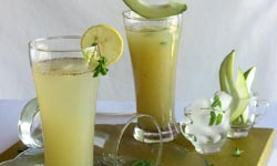 Refreshing summer drinks: लू लड़ने का हथियार चलो बनायें आम पना यार