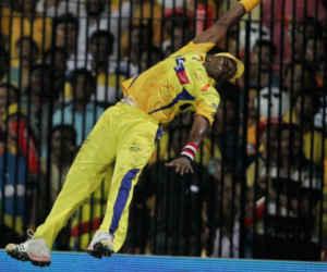IPL में इन 10 फील्डरों से रहना होगा सावधान, उड़कर पकड़ लेते हैं कैच