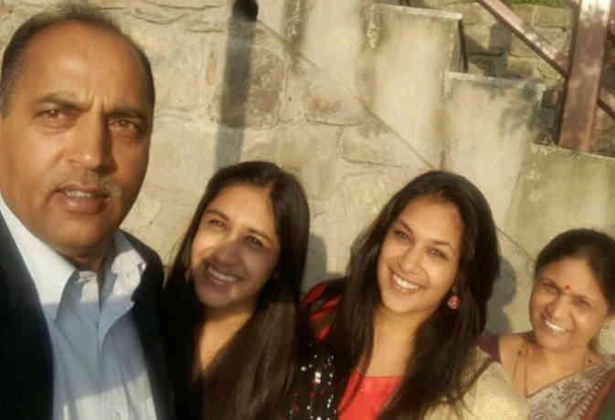 मां बेटी और पत्नी से ऐसे बात करते हैं जयराम, इन 7 बातों से जानें हिमाचल के नए CM को