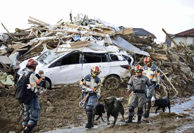 जापान : भारी बारिश के कहर से अब 122 लोगों की मौत, कई लापता