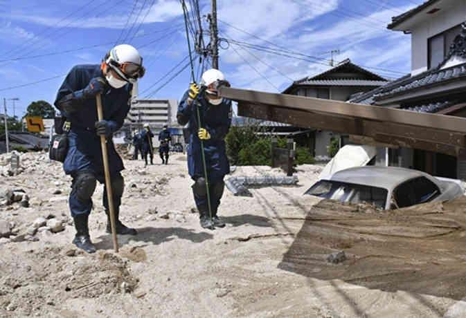 जापान में भारी बारिश का कहर जारी, अब तक 199 की मौत