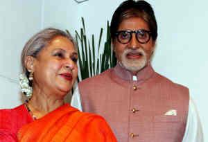 बर्थ डे : जिस फिल्म से अमिताभ को मिली पहचान उस फिल्म की राइटर रही हैं जया बच्चन, कभी घर बुला सिखाया था रेखा को सबक