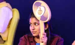 आईपीएल नीलामी : 16 साल की वो लड़की जिसने करोड़ों रुपये लुटाकर मिनटों में खरीद लिए खिलाड़ी