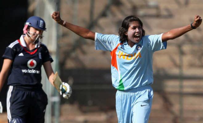 धोनी से पहले भारतीय टीम में खेल रही इस भारतीय महिला गेंदबाज ने टी-20 से लिया संन्यास