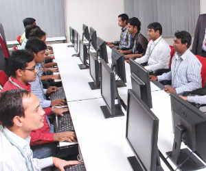 2300 करोड़ का निवेश : नोएडा में आईटी पार्क विकसित करेगी TCS, 30 हजार लोगों को मिलेगी नौकरी