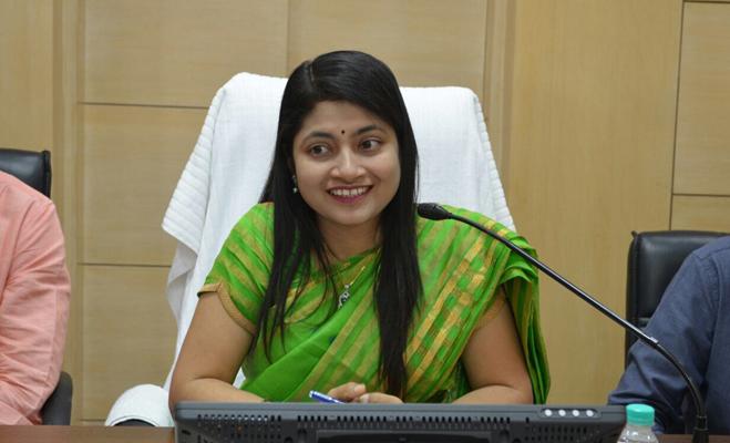civil services day: भारतीय प्रशासनिक सेवा के 10 अधिकारी जिनके काम रहेंगे याद