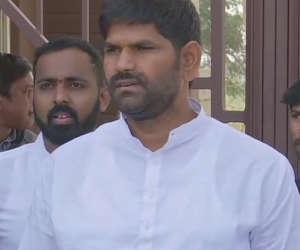 कर्नाटक :  रिजॉर्ट में कांग्रेस विधायकों में हुर्इ मारपीट, विधायक जेएन गणेश ने बताया सच