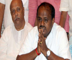कर्नाटक : कुमारस्वामी अब 23 मई को लेंगे सीएम पद की शपथ बोले, 15 दिनों से पहले बहुमत साबित कर देंगे