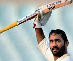 8 साल बाद टेस्ट मैच खेलेंगे कार्तिक, 15 साल पहले रन बना देते तो धोनी को न मिलती इंट्री