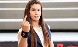 कविता दलाल : प्रतिद्वंद्वियों को धूल चटाने को तैयार पहली इंडियन महिला WWE सुपरस्टार