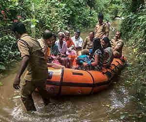 केरल में भारी बारिश से भूस्खलन आैर बाढ़, 24 घंटे में 26 की मौत