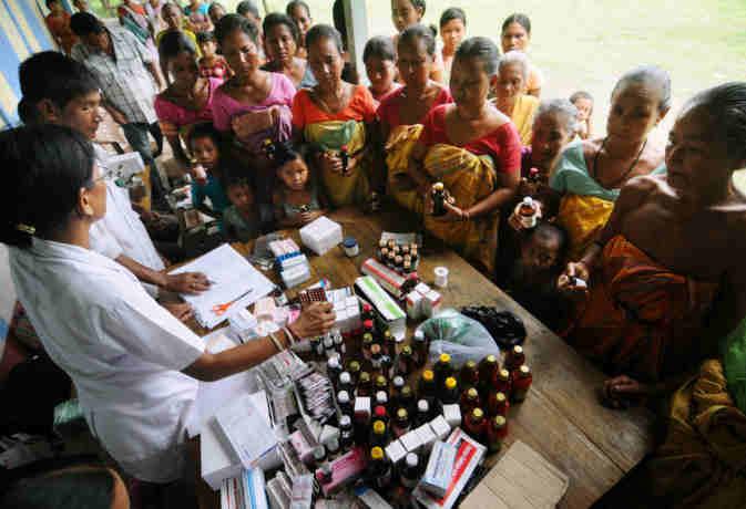 केरल में बाढ़ के बाद अब महामारी का डर, बनाए गए  3757 मेडिकल कैंप