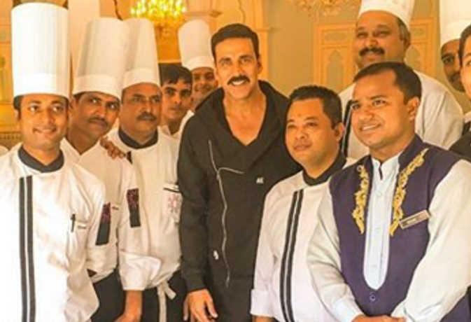 अक्षय कुमार ने बैंकॉक में वेटर और शेफ का किया हैं काम, जानें इनके बारे में ये 10 अनजानी बातें