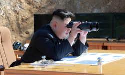 साउथ कोरिया से बातचीत को तैयार तानाशाह, अमेरिका के लिए किम जोंग की डेस्क पर परमाणु बटन