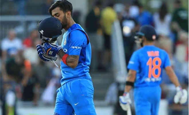 टी-20 इंटरनेशनल में सबसे ज्यादा औसत से रन बना रहे केएल राहुल,पाकिस्तान के बाबर को भी पीछे छोड़ा