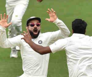 विराट कोहली पहले एशियार्इ कप्तान हैं, जिन्होंने आॅस्ट्रेलिया, इंग्लैंड आैर साउथ अफ्रीका में जीता टेस्ट मैच