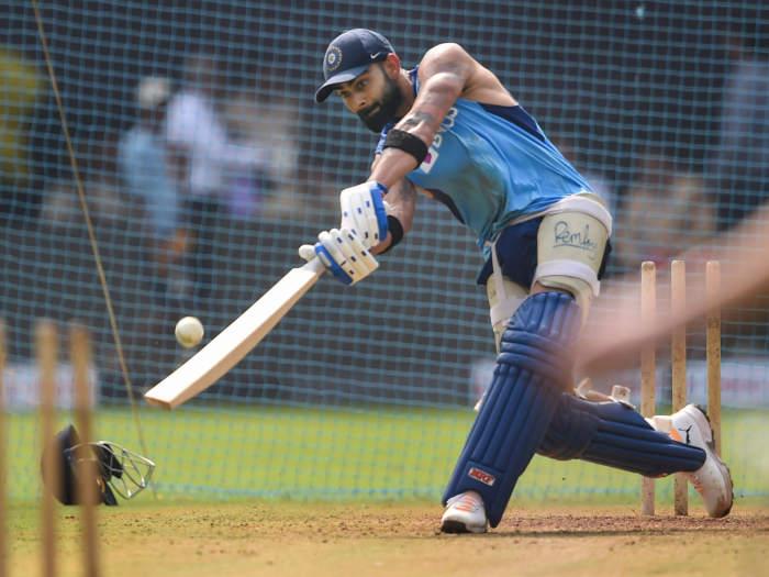 india vs australia 1st odi: कोहली निचले क्रम पर बैटिंग को तैयार,तीसरे ओपनर को टीम में रखने का दिया संकेत