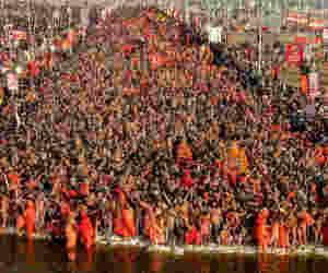 प्रयागराज कुंभ 2019 : खूब आई भीड़, लेकिन लौटी कम