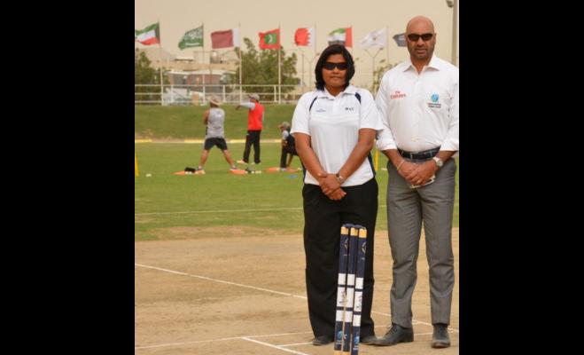 पुरुषों के क्रिकेट मैच में अंपायरिंग करने वाली पहली एशियाई महिला बनीं शिवानी