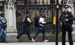 तस्वीरों में: ब्रितानी संसद के बाहर हमला