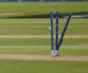 नहीं देखा होगा ऐसा स्कोरकार्ड, इस टीम ने गंवाए 9 रन पर 8 विकेट