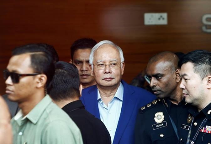 मलेशियाई पूर्व पीएम नजीब से करोड़ो के घोटाले में हुई पूछताछ