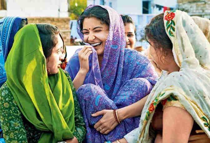 'सुई-धागा' में अनुष्का शर्मा का देसी लुक इस महिला से है प्रेरित, तैयार होने में लगते थे सिर्फ कुछ ही मिनट