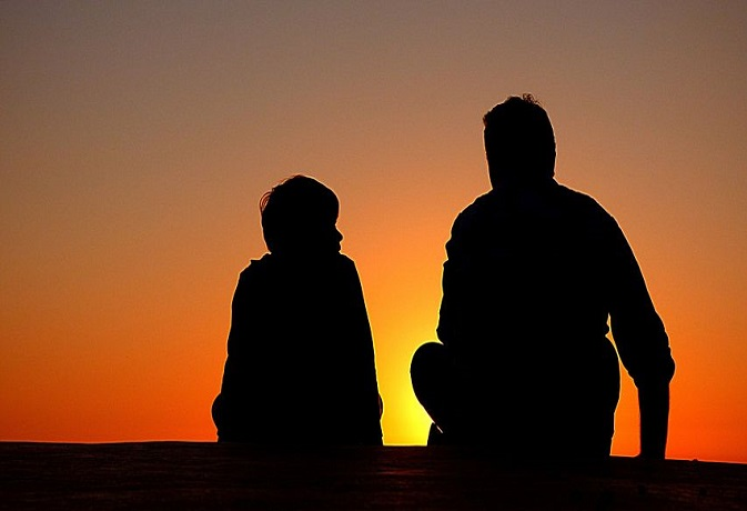 वास्तु टिप्स: अपनाएंगे ये 8 उपाय तो पिता से मधुर रहेंगे संबंध,मिलेगी सकारात्मक ऊर्जा